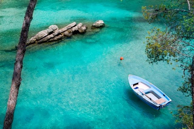 Calvia Cala Fornells turquoise mediterranean in Majorca at balea
